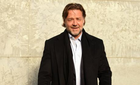 Russell Crowe: Milan Fashion Week Men's Fall/Winter 2016/17