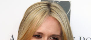 Jennifer Love Hewitt as a Blonde