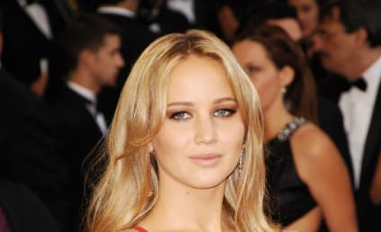 Jennifer Lawrence Confirmed as Katniss Everdeen