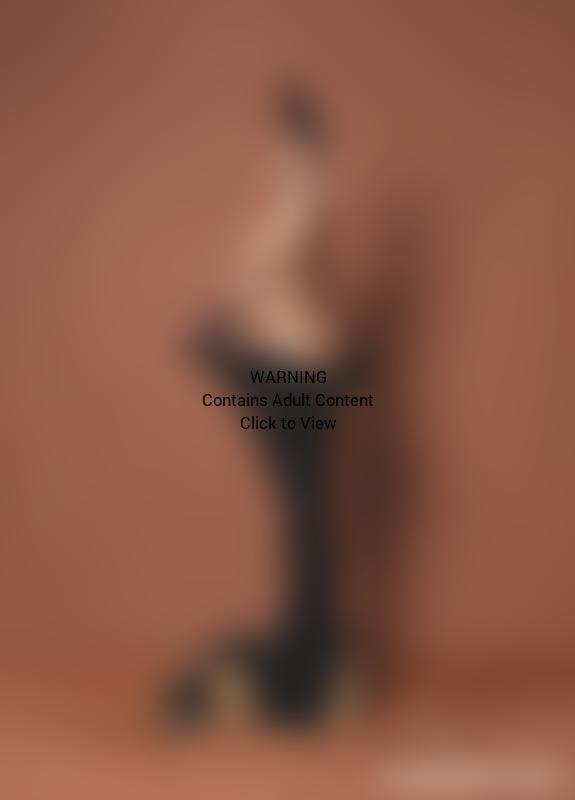 Kim Kardashian: Naked for Paper