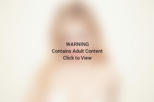 Abigail Breslin Topless