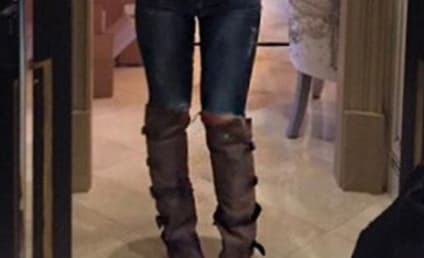Kim Zolciak: Look At My Natural Thigh Gap!!!