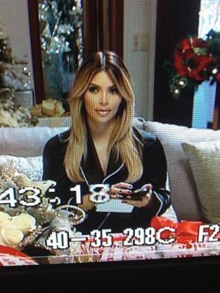 Kim Kardashian Christmas Photo