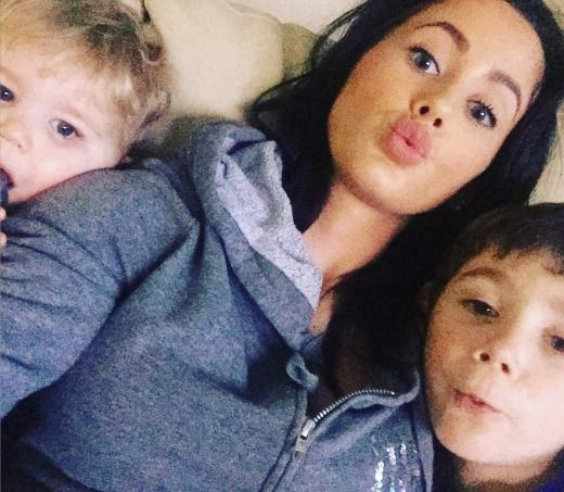Jenelle Evans with her kids