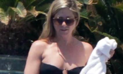 Jennifer Aniston Bikini Photos: RIPPED in Mexico!