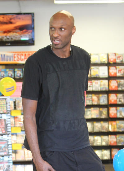 Lamar Odom: Begging For Drugs in Hospital?