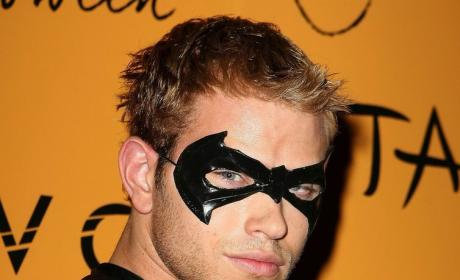 Clash of the Costumes: Kellan Lutz vs. Adam Lambert