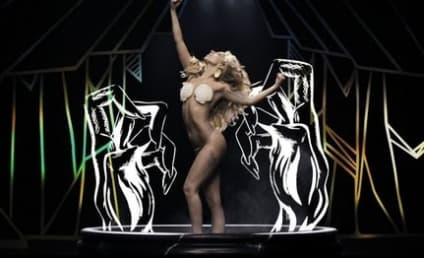 "Lady Gaga ""Applause"" Video Burns Up Internet, Garners 5.6 Million Views in 22 Hours"