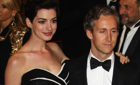 Anne Hathaway: Unable to Get Pregnant? Adopting Baby with Adam Shulman?