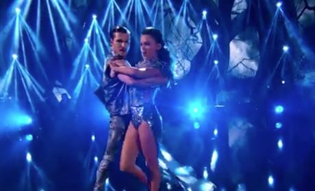 Jana Kramer Does the Tango