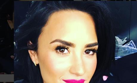 Demi Lovato Selfie Alert: All Natural, All Sexy