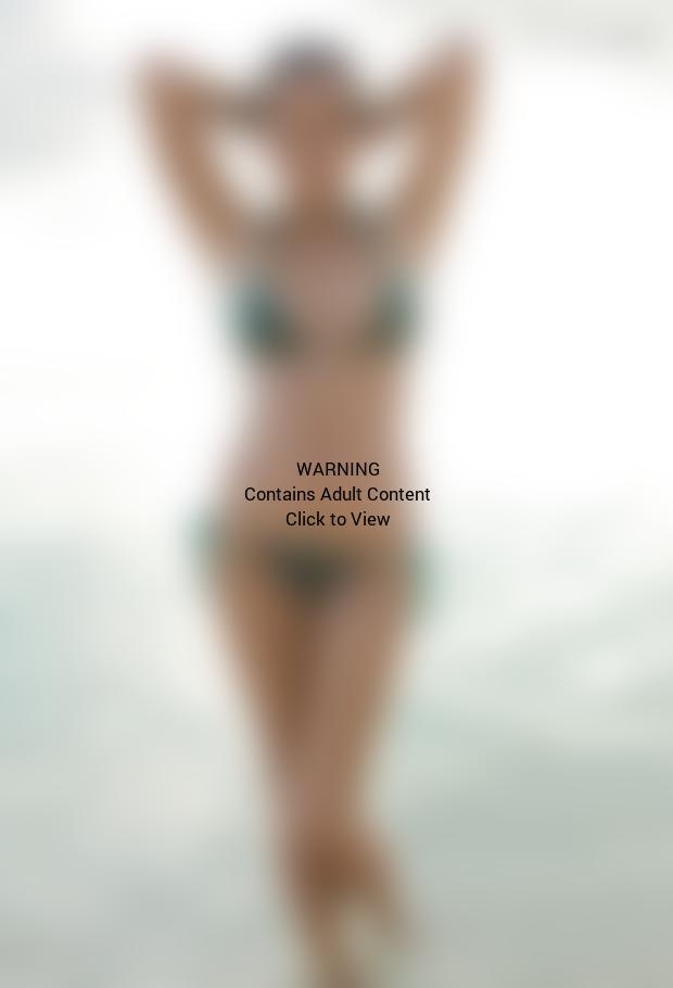 Chrissy Teigen Bikini Photograph
