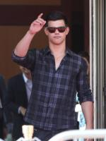 Hot Taylor Lautner Picture