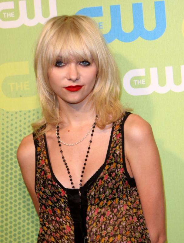 17 Actors Who Were Fired From Major Roles - Page 3 - The ... Taylor Momsen Fired
