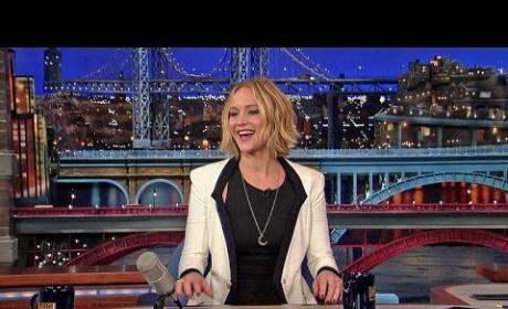 Jennifer Lawrence Plays Host!
