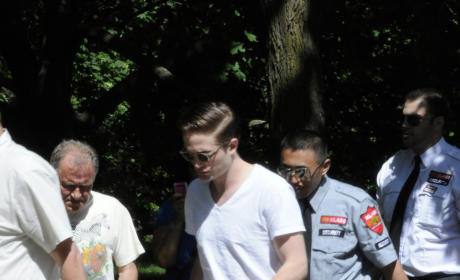 Robert Pattinson and Kristen Stewart: Fan-Filled Date Night...