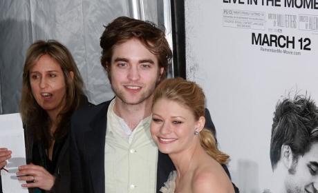 Robert Pattinson Publicity Tour: Remember Me Premiere, The View Appearance