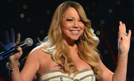 Mariah Carey Wardrobe Malfunction: Just Barely Averted
