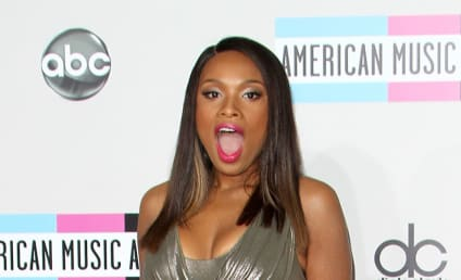 AMA Fashion Face-Off: Jennifer Hudson vs. Heidi Klum