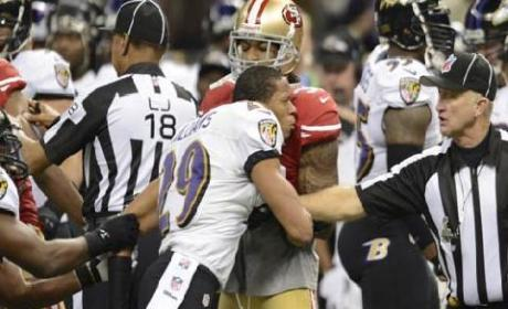 Ravens' Cary Williams Shoves Ref in Super Bowl Melee