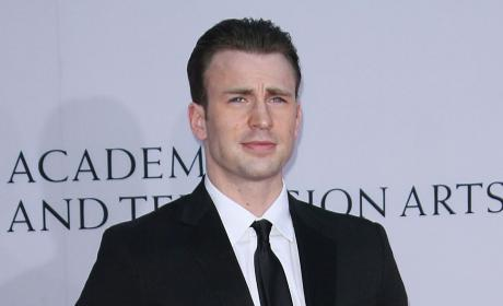 Jennifer Lawrence & Chris Evans: Dating?!