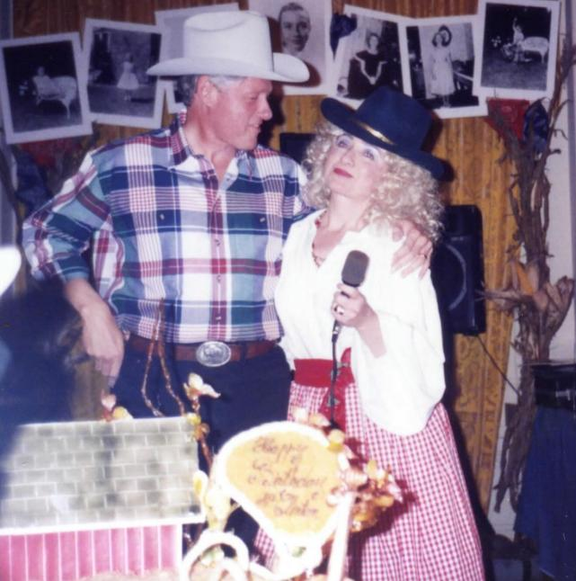Hillary and Bill Clinton Throwback Photo