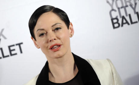 Rose McGowan Red Carpet Photo