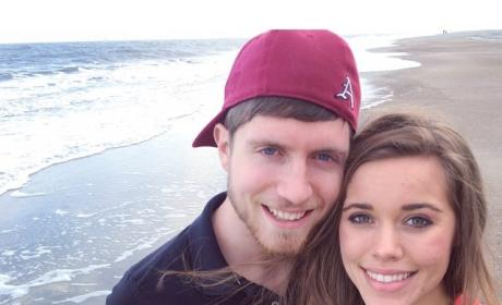 Jessa Duggar and Ben Seewald Get Romantic During Business Trip/Beach Vacation
