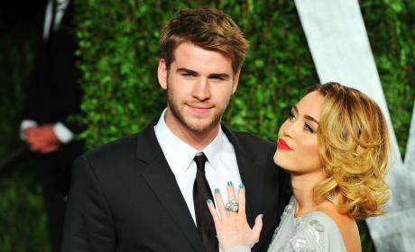 Liam Hemsworth Miley Cyrus Stare Vanity Fair Party Pic