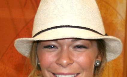 LeAnn Rimes Sues Dentist: You Effed Up My Career!