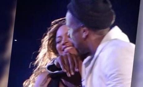 Beyonce and Jay Z: Snuggling and Singing on Stage!