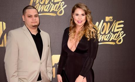 Kailyn Lowry DITCHES Wedding Ring for MTV Movie Awards, Hangs With Jo Rivera!