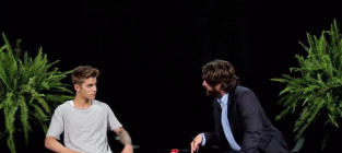 Justin Bieber: Spanked by Zach Galifianakis!