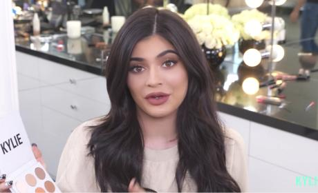 Kylie Jenner Eye Shadow Introduction