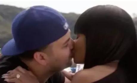 Rob Kardashian and Blac Chyna Kiss