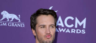 ACM Awards Fashion Face-Off: Luke Bryan vs. Scotty McCreery