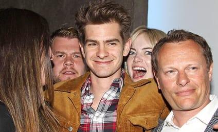 Emma Stone Photobombs Andrew Garfield