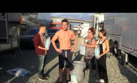 Stephen Amell Accepts Ice Bucket Challenge