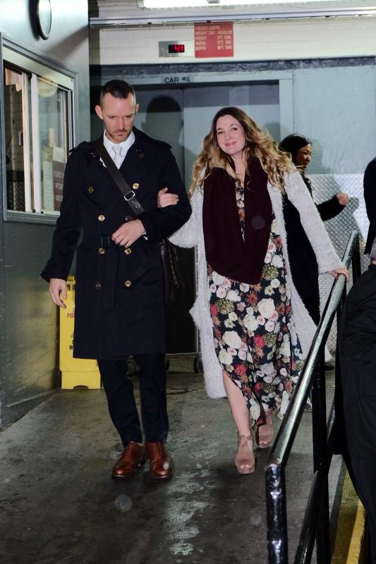 Drew barrymore leaves the huffington posts offices