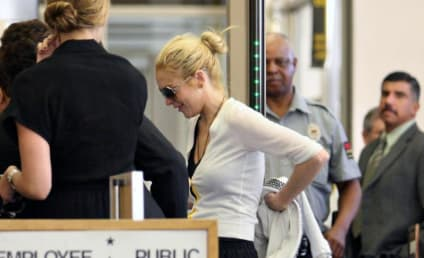 Lindsay Lohan Returns to Recording Studio