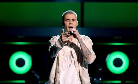 Justin Bieber Hates on Awards Shows: What a Farce!