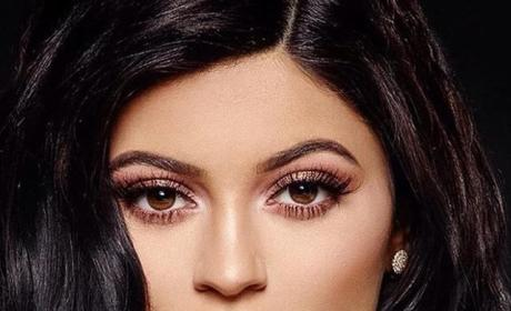 Kylie Jenner: Super Close-Up