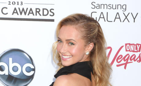 "Hayden Panettiere Rumors Persist, But ""No Ring"" on Her Finger"