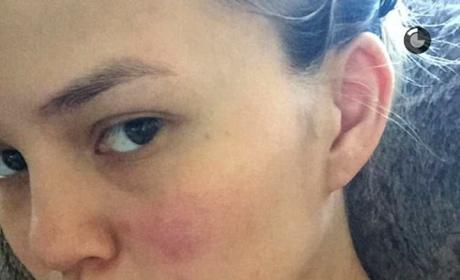 Chrissy Teigen makeup-free selfie