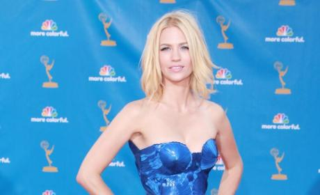Emmy Awards Fashion Face-Off: January Jones vs. Emily Deschanel