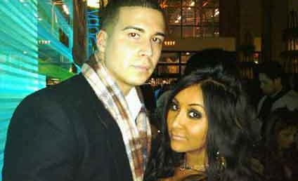 Jersey Shore Stars Raise Roof, Survive its Collapse