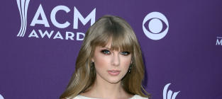 ACM Awards Fashion Face-Off: Taylor Swift vs. Carrie Underwood