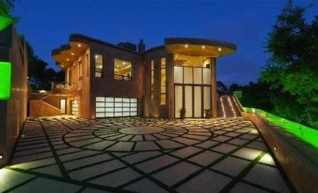 Rihanna's New Mansion: $12 Million Party Central!