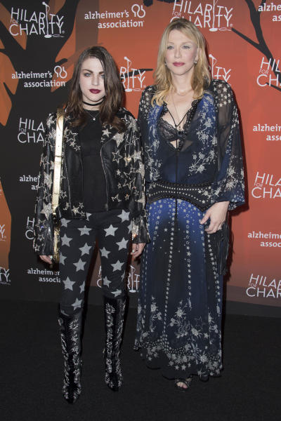 Frances Bean Cobain and Courtney Love Photo 2
