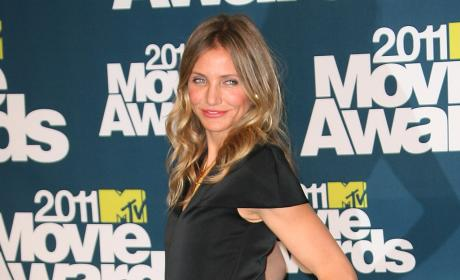 MTV Movie Awards Fashion Face-Off: Cameron Diaz vs. Chelsea Handler